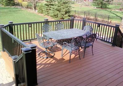 Timbertech XLM decking and Radiance railing in Glen Ellyn, IL. Built by A-Affordable Decks based in Lombard IL