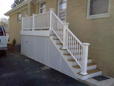 Clarendon Hills deck. Azek vinyl planking and rails. A-Affordable Decks of Lombard